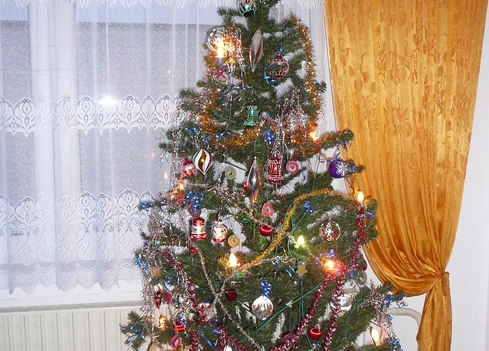 Best Artificial Christmas Tree for Sale